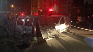 İki hafif ticari araç çarpıştı: 4ü çocuk 8 yaralı