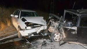 Sarıoğlan'da trafik kazası 2 yaralı