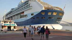 Kuşadasına gemiyle 815 İngiliz turist geldi