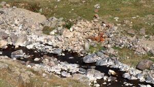 Ortadan kaybolan 300 yıllık tarihi köprü, gizemini koruyor