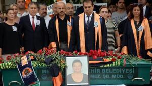 Evinde ölü bulunan yardımcı doçent için üniversitede tören