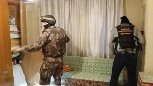 Bursada uyuşturucu tacirlerine şafak baskını: 7 gözaltı