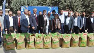 İslahiyede 400 çiftçiye tohum dağıtıldı