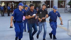 Hacze giden icra görevlilerini dövüp, rehin alan anne ve oğulları tutuklandı