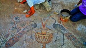 Hristiyanlığın liderlerinden Marcos ve Lucası simgeleyen mozaikler bulundu