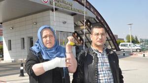 Doktor, anne- oğulu dövdü iddiası
