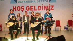 Yavuz Bingöl ile down sendromlu gençlerden Çanakkale Türküsü
