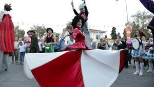 Kaleiçi Oldtown Festivaline renkli başlangıç
