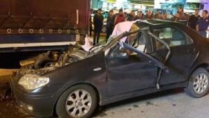 Otomobil TIRa çarptı: Ak Partili mahalle sorumlusu hayatını kaybetti