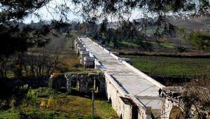 Justinianus Köprüsünde restorasyon başladı; haç işaretli sütun başlığı bulundu