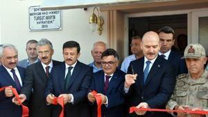 Bakan Soylu, İzmirde subayların yemin törenine katıldı (2)