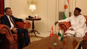 Cumhurbaşkanı Yardımcısı Oktay, Nijer Cumhurbaşkanı ile görüştü