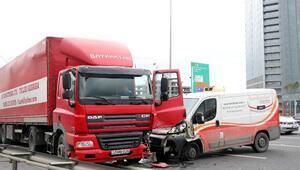 TEMde zincirleme kaza: 2 yaralı