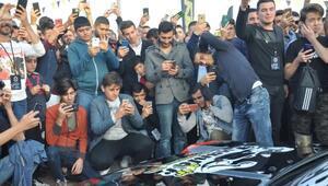 Ankarada sergilenen modifiye araçlar yoğun ilgi gördü