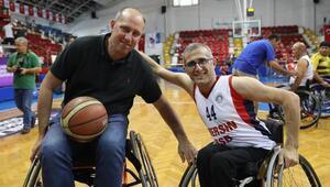 Erdenay ve Yıldızoğlu, tekerlekli sandalyede kozlarını paylaştı