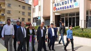 HDP Eş Genel Başkanı Temelliden Hakkaride esnaf ziyareti