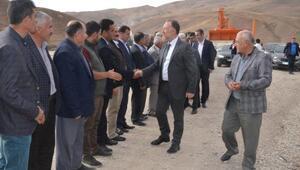 HDP Eş Genel Başkanı Temelliden Hakkaride esnaf ziyareti (2)