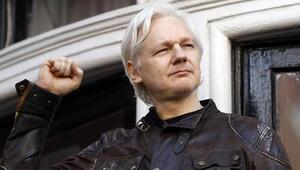 Ekvadordan Assangea talimat: Tuvaletini temizle