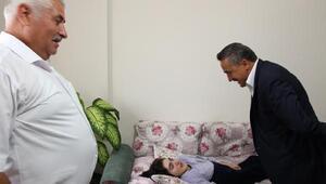 Başkan Tutal, hasta ve engellileri ziyaretlerini sürdürüyor