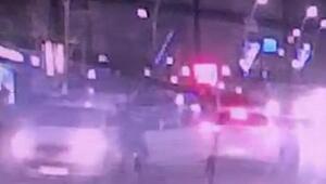 Cezaevi firarisi, kaçtığı aracın camından kafasını sokan polisi 100 metre sürükledi