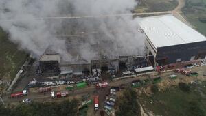 Bursada geri dönüşüm tesisindeki yangın 10 saatte kontrol altına alındı