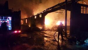 Pamukovada kereste atölyesi alev alev yandı