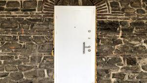 Tarihi handaki çelik kapı söküldü İşte yeni görüntüsü...