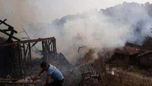 Karabük'te 2 ev yandı