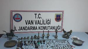 Vanda 629 parça tarihi eser ele geçirildi; 4 gözaltı