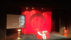 Tiyatro sanatçısı Yaman Tüzcet için  Muhsin Ertuğrul Sahnesinde tören