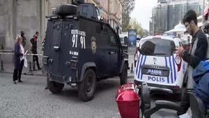 Fotoğraflar // Eminönünde polis ile şüpheli arasında arbede: 1 polis yaralandı