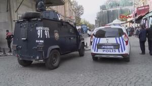 Eminönünde polis ile şüpheli arasında arbede 1 polis yaralandı