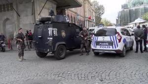 Ek fotoğraflar // Eminönünde polis ile şüpheliler arasında arbede: 1 polis yaralandı