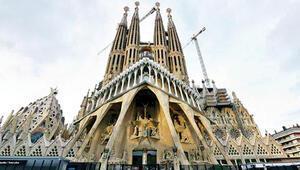 La Sagrada Familia meğerse kaçakmış