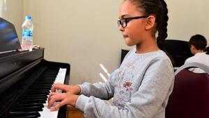 Bornovada piyano kurslarına ilgi