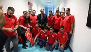 Diyarbakır Gençlik Festivalinde şöhretler maçının galibi beyaz takım