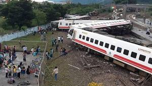 Tayvanda tren faciası: 17 ölü
