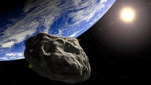 Dev gök taşı Dünyayı ıskaladı