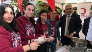 Lise öğrencilerinden kan bağışı