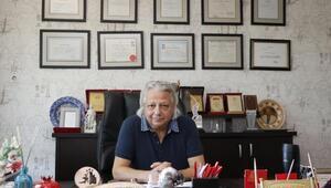 Prof. Dr. Demirbaş, 310 günün 36 gününü kesintisiz ameliyathanede geçirdi