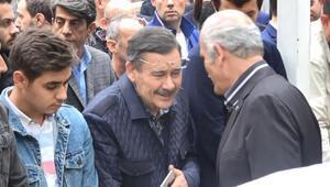 Melih Gökçek, Bursada cenazeye katıldı