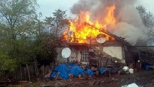 Geredede köy evi yandı