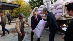 Sebenli çiftçiler Iza buğdayı tohumlarını teslim aldı