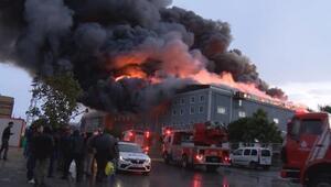(Geniş haber- ek fotoğraflarla)  Esenyurtta 3 fabrika alev alev yandı