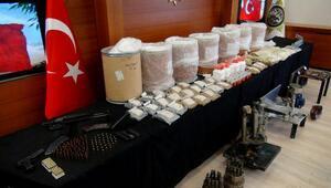 (Geniş haber) -  Uyuşturucu imalathanesine dönüştürülen villa baskını