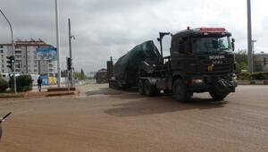 Suriye sınırına obüs ve askeri araç sevkiyatı