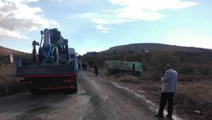 Kum yüklü kamyon, otomobile çarptı: 3 ölü, 2 yaralı/ Fotoğraflar