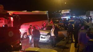 Kocaelide korkunç kaza 2 TIR, 1 minibüs, 1 kamyonet ve 6 otomobil...