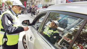 Dikkat yeni kurallar yollarda... Ehliyeti alınan yeniden kursa