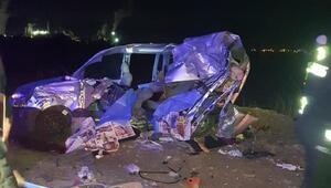TIRa çarpan araçtaki baba ve iki kızı öldü, anne ve diğer kızı yaralandı